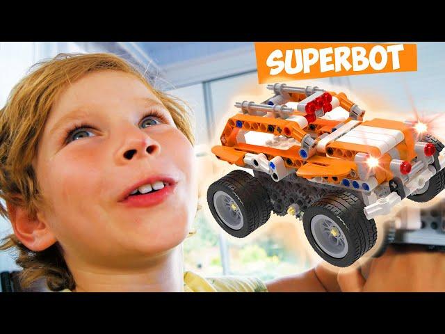 Супер Лев катается на мощном КВАДРОЦИКЛЕ Умный конструктор APITOR Super Bot Что придумал Папа?