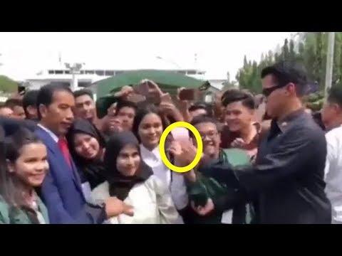 Tekuk Dua Jari Pria yang Foto dengan Jokowi, Anggota Paspampres Beri Klarifikasi