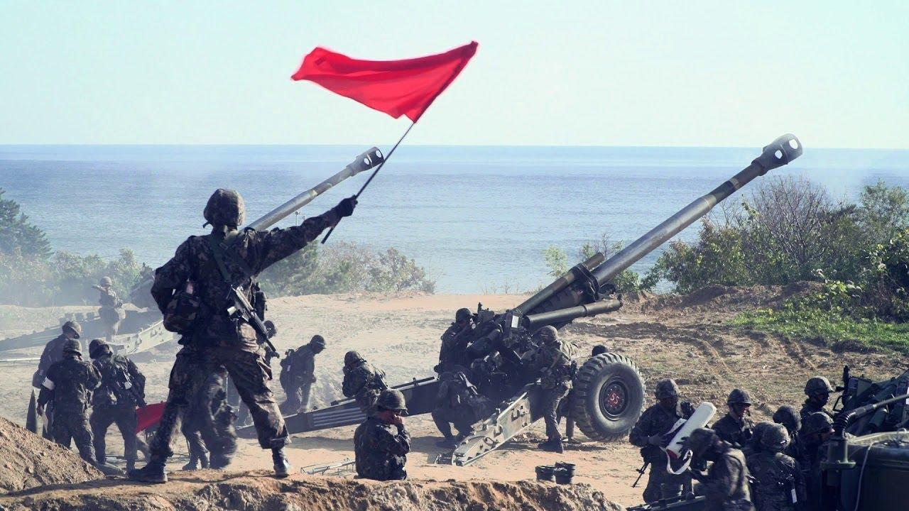 South Korean KH-179 155mm Field Howitzer Artillery In Action