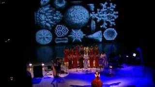 Björk - Who is it? & It's in our hands -  Vespertine Tour  Italy 2001 - Parma Teatro Regio