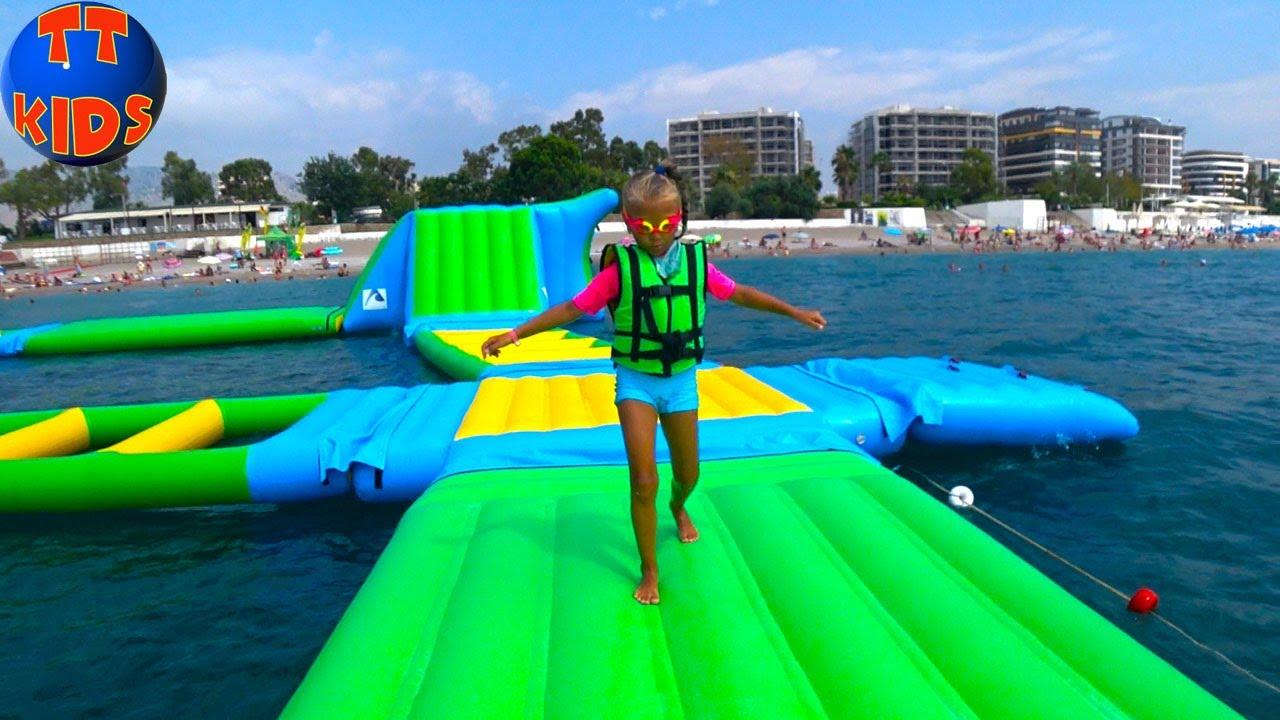 АКВАПАРК в открытом море и надувной батут на воде Giant Water Inflatable Trampoline