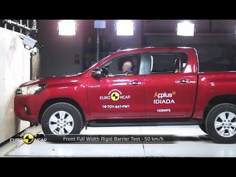 2016 Toyota Hilux - Crash Test