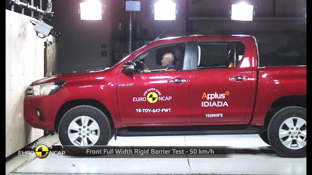 2013 toyota rav4 safety review and crash test ratings. Black Bedroom Furniture Sets. Home Design Ideas
