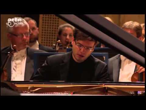 Francesco Piemontesi plays Beethoven piano concerto no 1