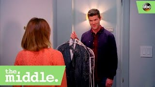 sean donahue asks sue to the ball the middle 8x17