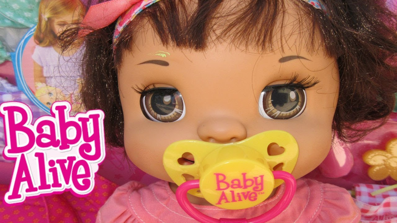 baby alive margie mccabe goes to toys r us new baby alive items dollhouse items youtube. Black Bedroom Furniture Sets. Home Design Ideas