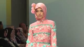 فيديو وصور- ''الخِمار'' يهيمن على أسبوع الموضة في إندونيسيا