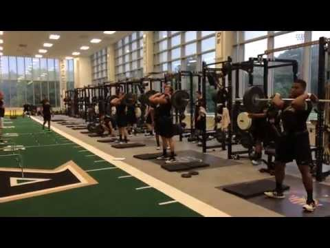2014 Army Football Strength Training