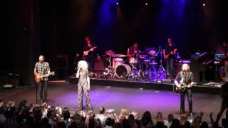"""Little Big Town - """"Happy People"""" - Live in Sydney 21st March 2017"""