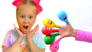 Pretends to play with her Magic balloon - Preschool toddler learn color تعليم الالوان بالانجليزي