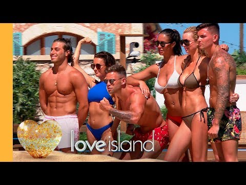 Splashing Around | Love Island 2017