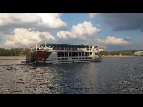 Лирические картинки на Москве-реке