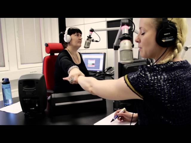 Mentalisti Noora Karma esittelee taitojaan Radio Novassa