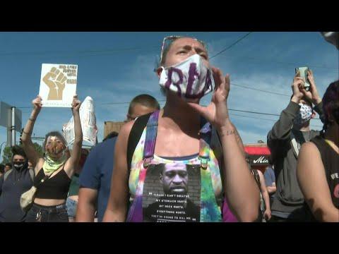 AFP: USA: Manifestation après la mort d'un homme noir aux mains de la police   AFP