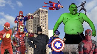 Superheroes VS Giant Hulk