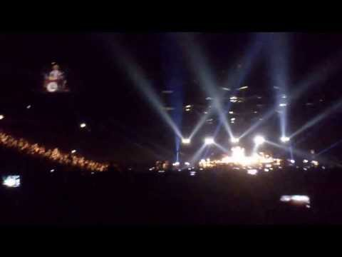Bruno Mars - Just The Way You Are - LIVE @O2 Arena PRAHA 2013