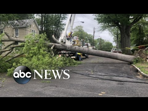 Severe weather moves toward the Northeast