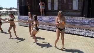 Девчонки зажигают в АКВАЛЕНДЕ!