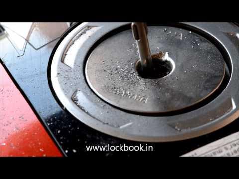 How to break Yamaha Fuel-Cap?