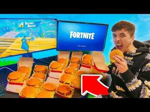 Every Elimination I order a McDonald's BIG MAC in Fortnite...