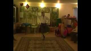 Шотландский танец(Сегодня в детском центра на Сретенке в Английском клубе не только рассказывали о Великобритании и ее отдел..., 2012-10-27T19:23:39.000Z)