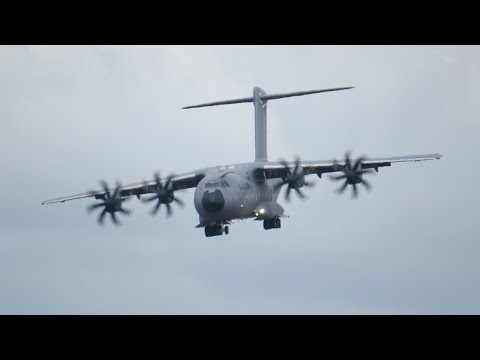 Airbus A400M Atlas short landing and Reverse Thrust RIAT 2014 12 July Air Show