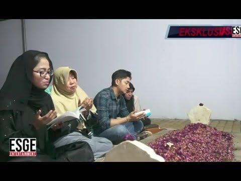Download 7 HARI BERTURUT-TURUT DEWI PERSSIK ZIARAH  MAKAM SANG AYAH Mp4 baru