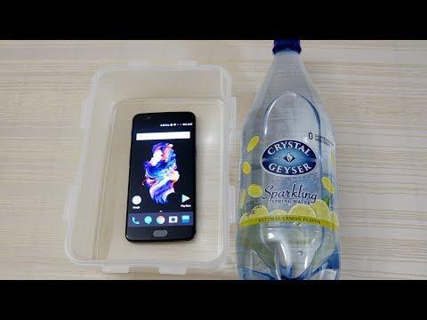 OnePlus 5 Waterproof? Durability / Water Resistant Test! (4K)
