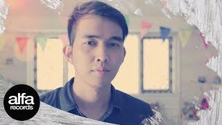 Lyla - Dengan Hati ( Official Video Version 2 ).mp3