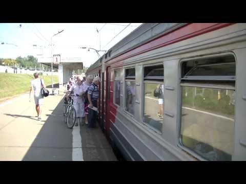Электропоезд ЭР2К-1152 станция Красный Строитель