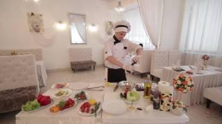 Стейк из мраморной говядины со сливочно-горчичным соусом и салатом «Коул Слоу»