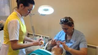 Обучение косметологии: Урок по массажу лица