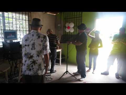 Karaoke con Sammy Marrero en Bar AQUI ME QUEDO