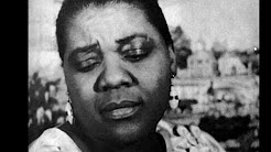 1920s and 30s female jazz and blues singers - YouTube