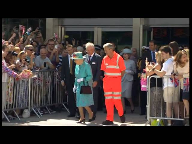 Reading Railway Station being opened by the Queen.