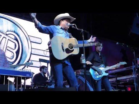 Tracy Byrd - Drinkin' Bone (Houston 12.11.15) HD