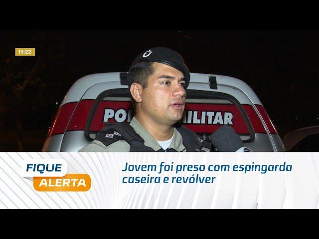 Jovem foi preso com espingarda caseira e revólver no Benedito Bentes