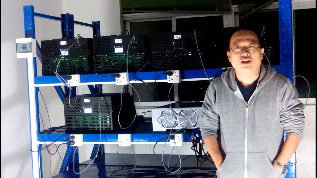 how to make bitcoind docker keep runing