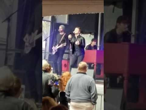 Hunter Hayes Warner Music celebration