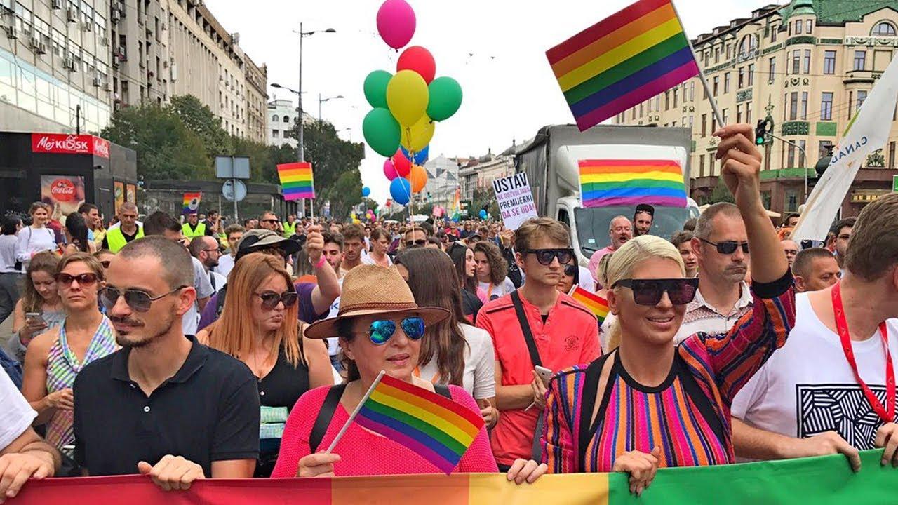 JELENA KARLEUSA // Beograd PRIDE 2017 / 17.09.17 - YouTube
