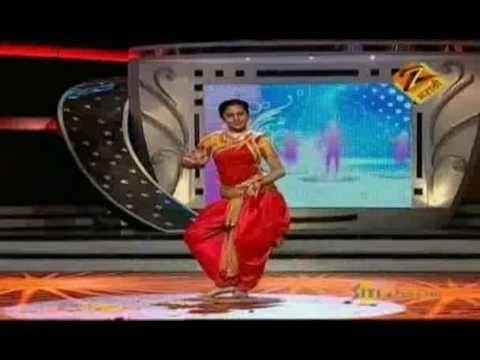 Eka Peksha Ek Apsara Aali Dec. 29 '10 - Mrinmayee Deshpande