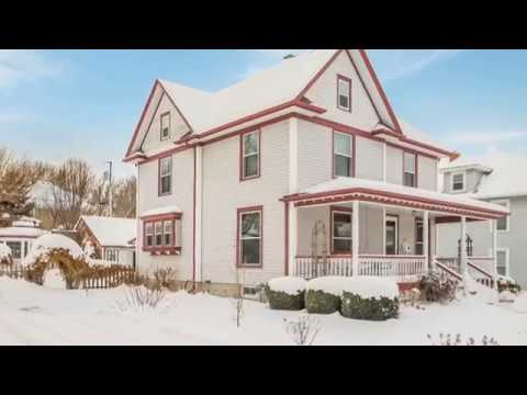 601 West Main Street • Washington, Iowa Home For Sale