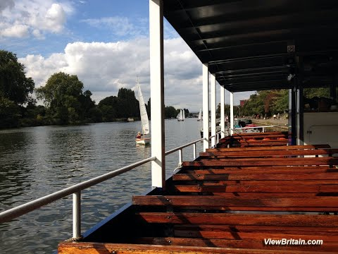 Boat ride from Hampton Court to Kingston Queen's Promenade - London
