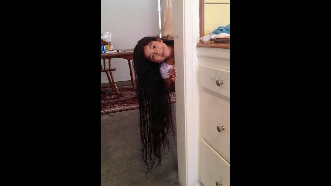 Rubi 6yrs Old W Longest Hair In The World My Frozen Party