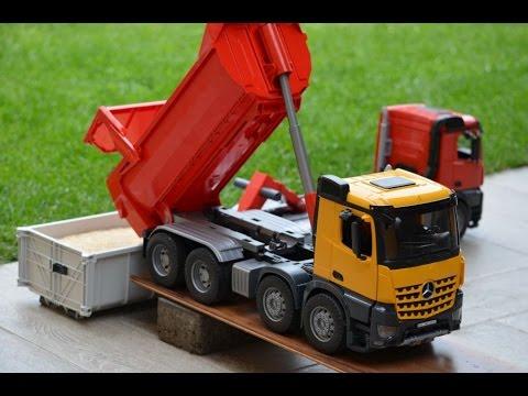 af39b4630b06 BRUDER TRUCKs Mercedes Benz Arocs Halfpipe Dump Truck end Arocs truck with  Roll-off Container