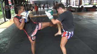 Claudia Diaz padwork with Kru Fon