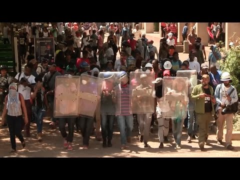 Sporadic Battles Continue As Tension Mounts On Wits Campus