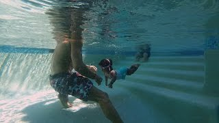 Gambar cover Zoey's Swimming Lesson | The Little Couple