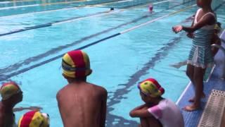吳笛樂的游泳教練蛙式水上示範教學篇