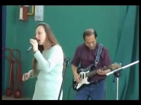 Toi Dua Em Sang Song - Valérie Sing in Vietnamese